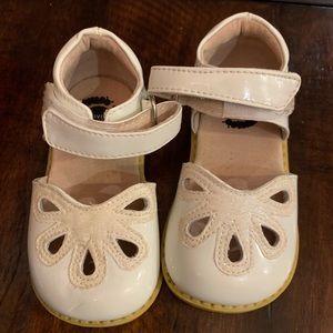Excellent condition Livie & Luca Petal shoes